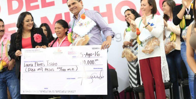 Silvano Aureoles anuncia Programa Integral de apoyos para las mujeres Michoacanas